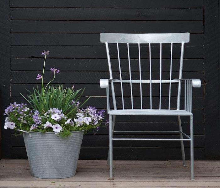 Zinc-Shaker-Chair-01