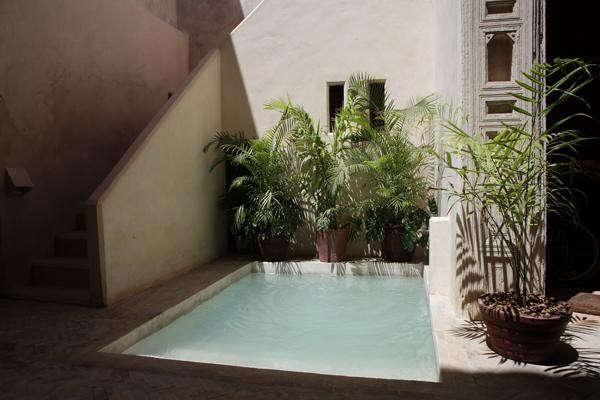 amber-house-pool-2