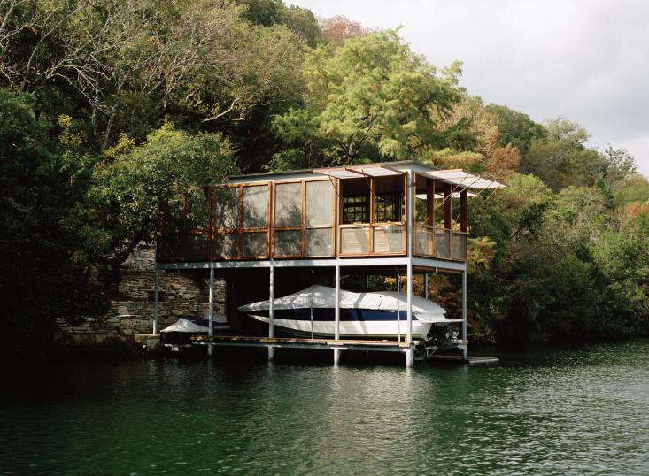 On The Waterfront A Boathouse In Texas Remodelista
