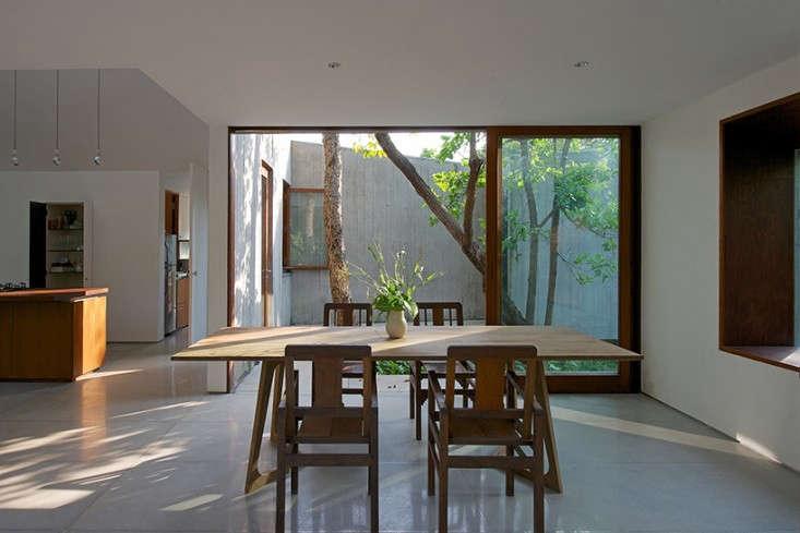 architecture-brio-house-on-a-stream-remodelista-12