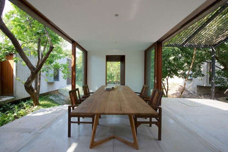 architecture-brio-house-on-a-stream-remodelista-20