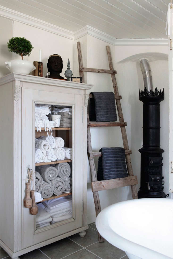 armoire-interior-magasinet-remodelista