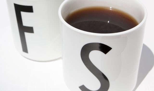 arne-jacobsen-typeface-cups-remodelista