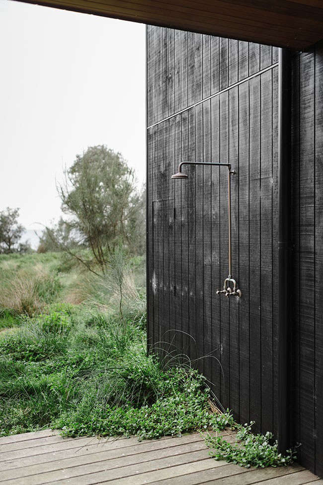 beach-house-outdoor-shower-share-design-remodelista