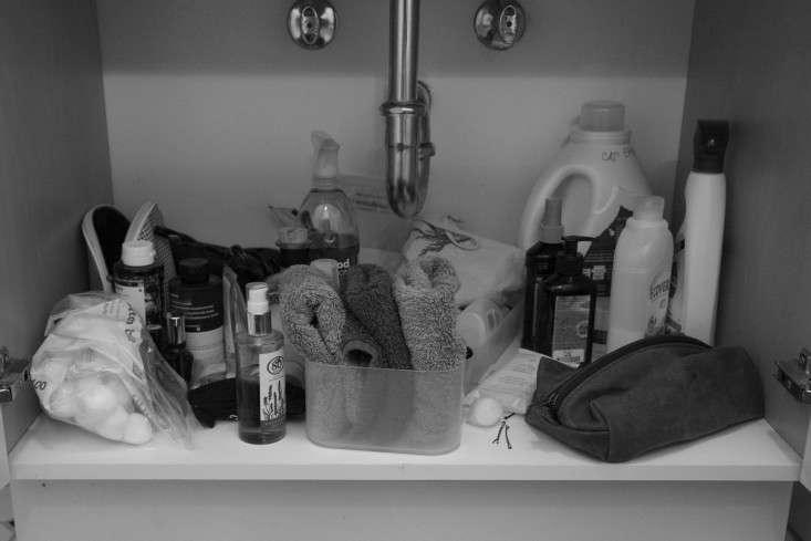 before-diy-sink-organization-tips-remodelista-bathroom