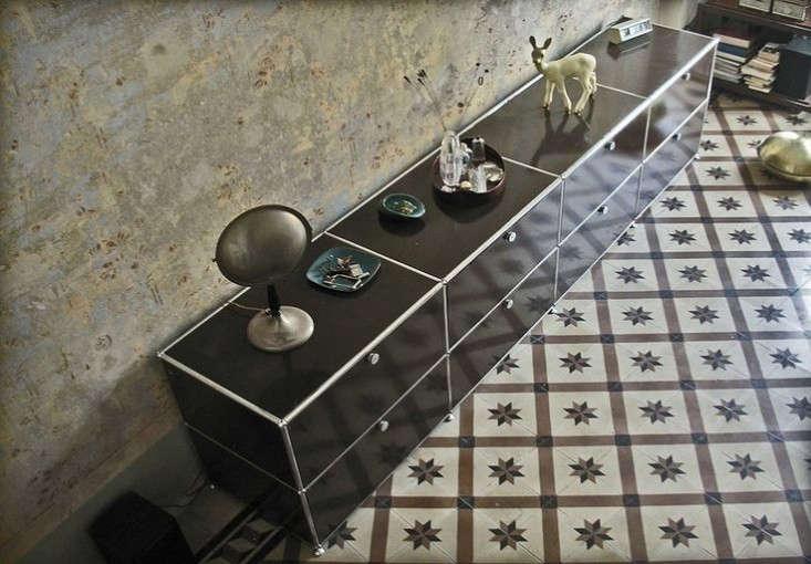 design sleuth usm haller storage system from switzerland. Black Bedroom Furniture Sets. Home Design Ideas
