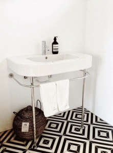 Black White Chevron Floor Bathroom/Remodelista