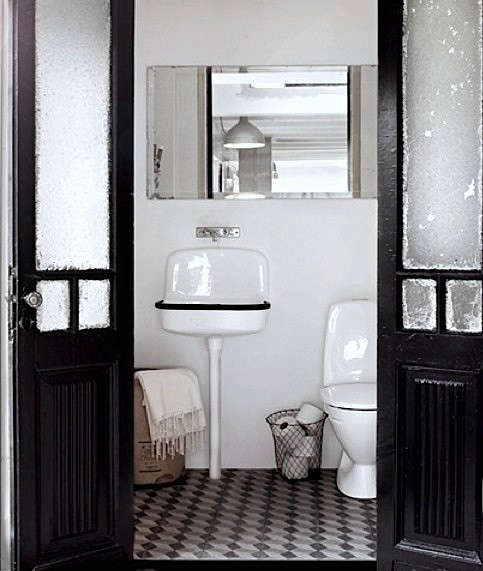 black-white-tile-floor-bathroom-remodelista-22