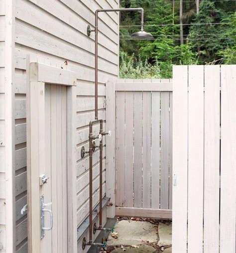 bosworth-hoedemaker-architects-outdoor-shower-remodelista