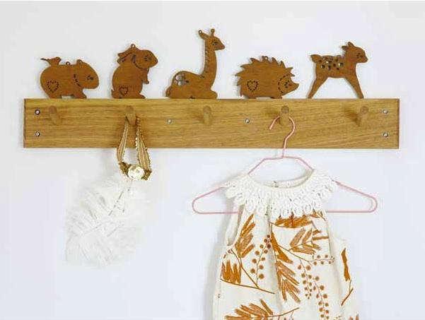 bride-wolfe-wooden-animals