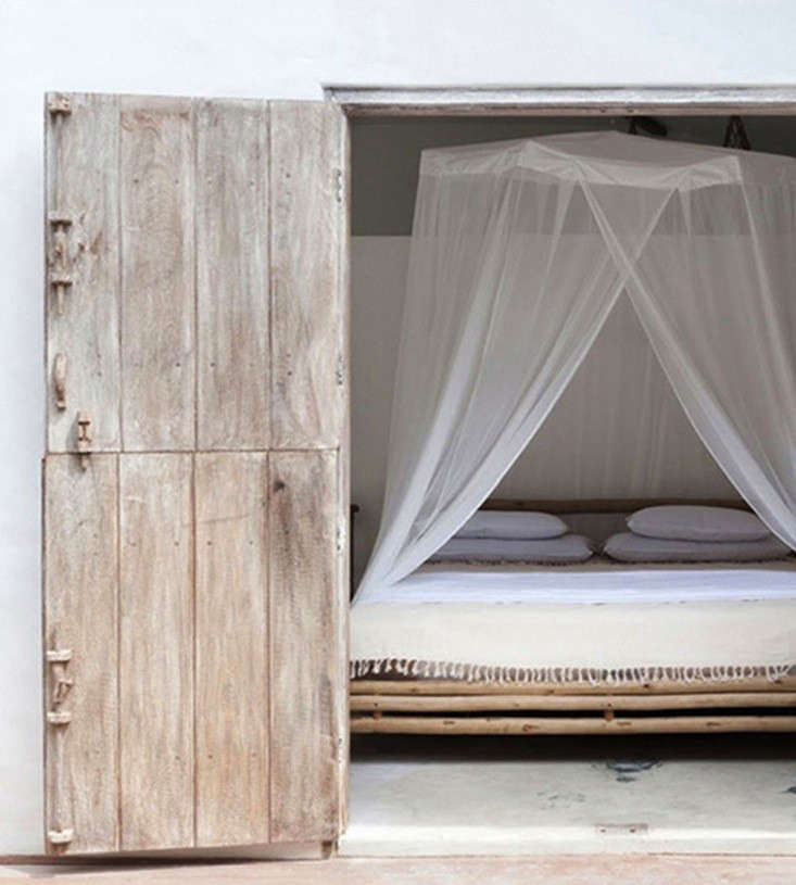 casa-lola-canopy-remodelista-1