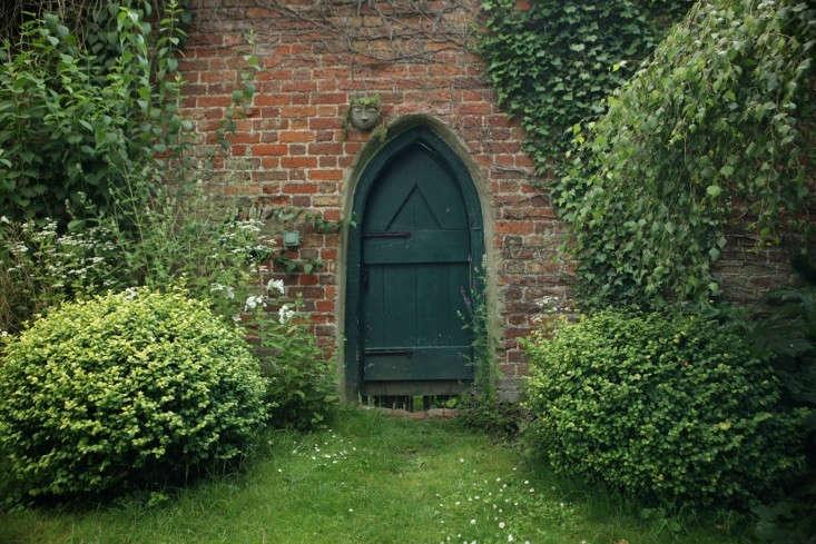 celia-green-door