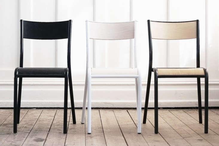 chaise empilable 510 originale remodelista. Black Bedroom Furniture Sets. Home Design Ideas