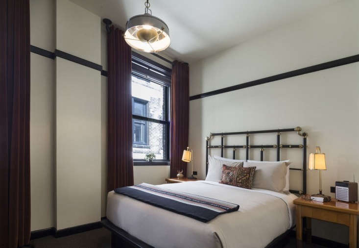 chicago-athletic-association-bedroom-31