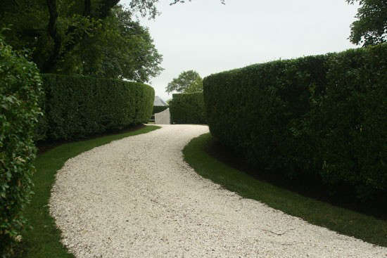 clamshell-driveway-remodelista