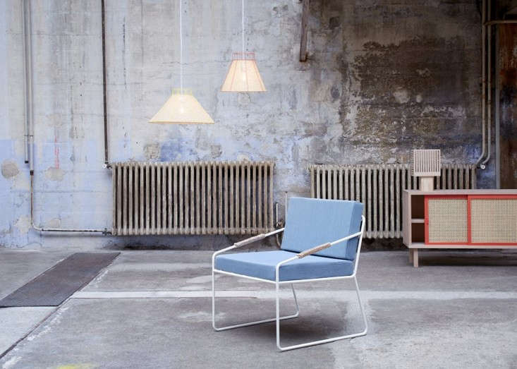 colonel-blue-chair-remodelista-10