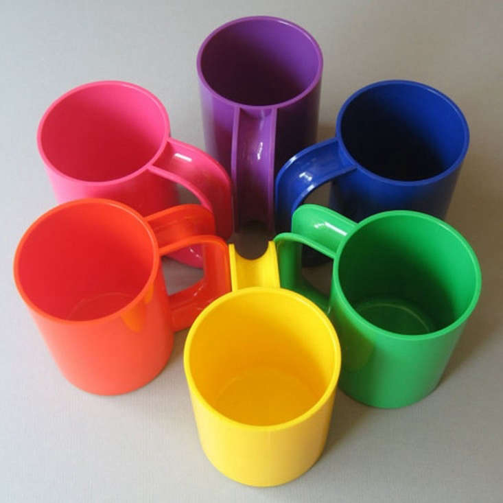 colored-heller-mugs-placewares