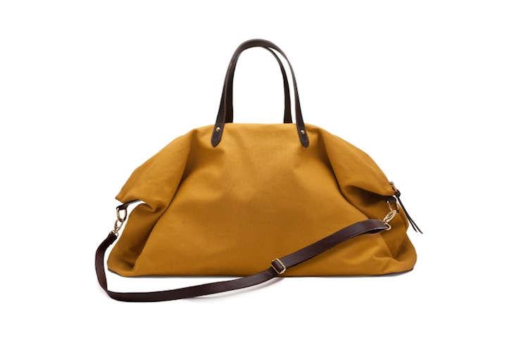 cuyana-weekender-bag-remodelista