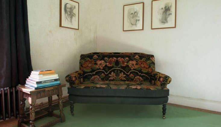 durslade-bedroom-green-floor