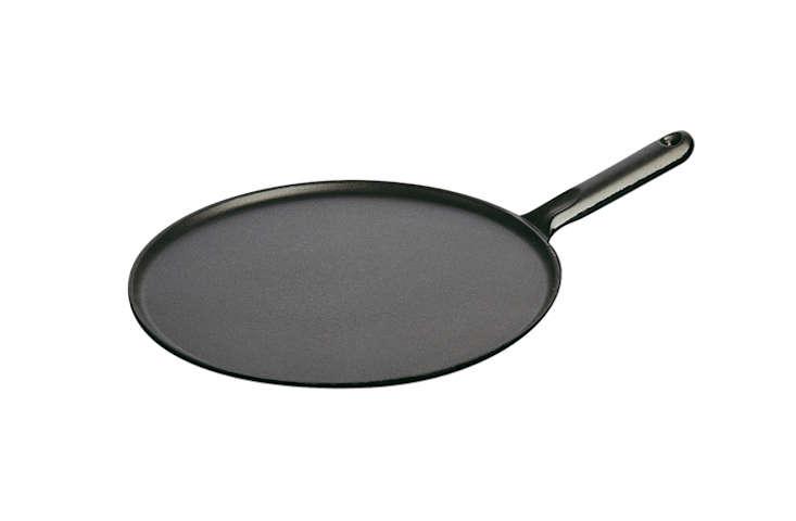 e-dehillerin-cast-iron-crepe-pan-remodelista