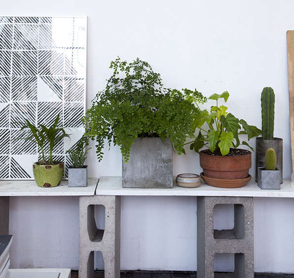 12 Tables Made With Cinder Blocks Economy Edition