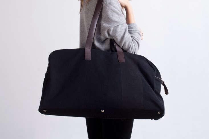 everlane-weekender-bag-remodelista-1