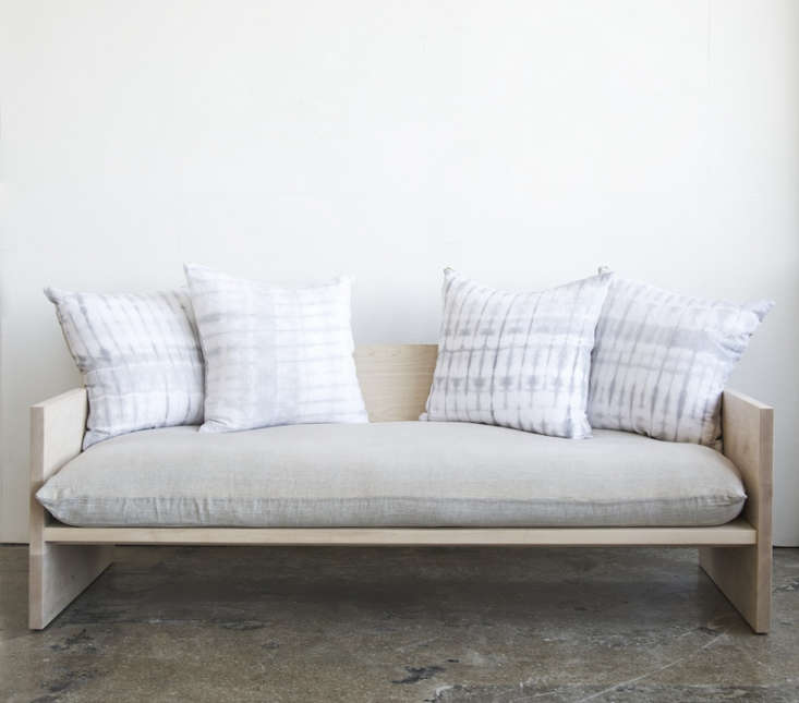 farrah-sit-rebecca-atwood-maple-sofa-remodelista-2