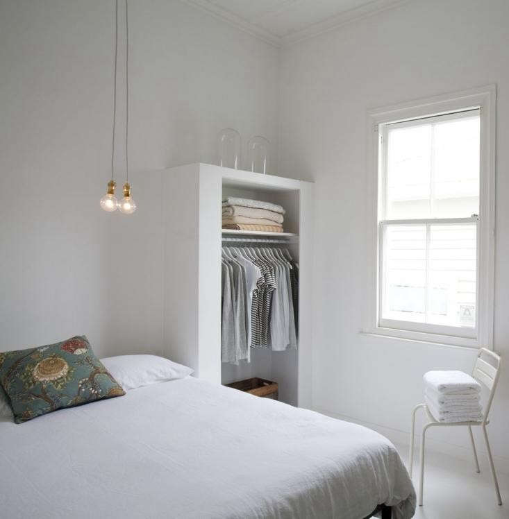 Expert advice 11 tips for making a room look bigger - Limited space bedroom ideas ...