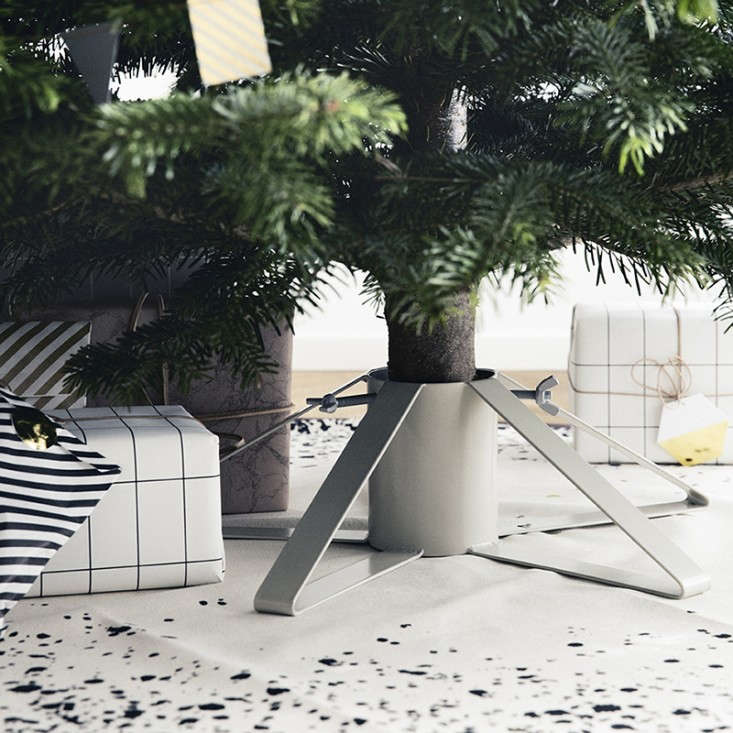 ferm-living-christmas-tree-stand