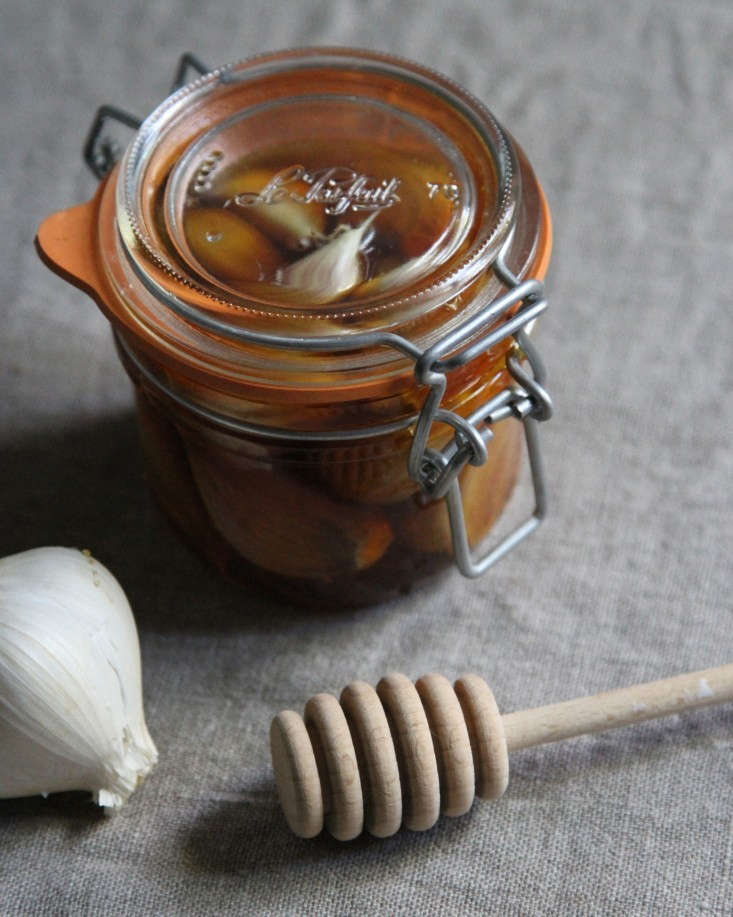 garlic-honey-11-erin-boyle-gardenista
