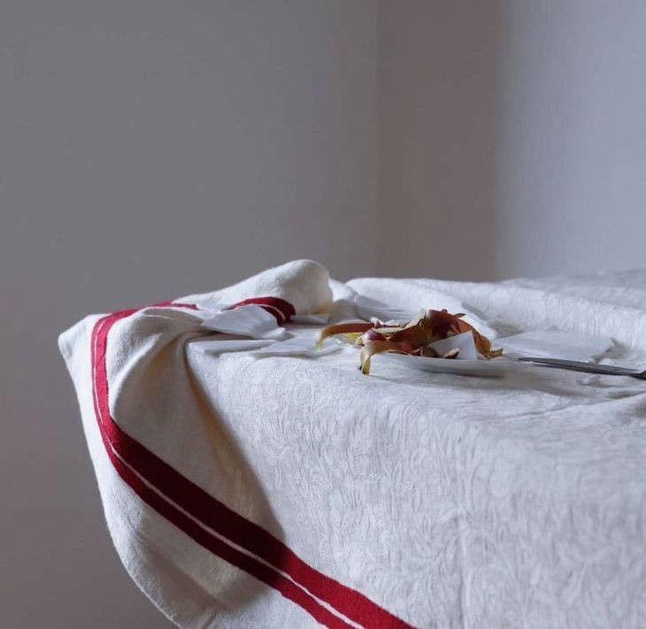 gruppo-installation-tablecloth-remodelista