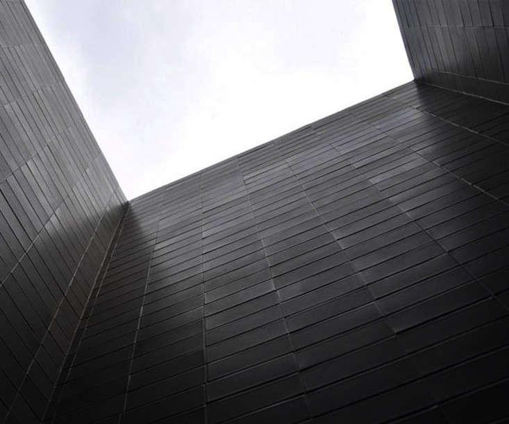 heath-ceramics-black-tile-classic-field-remodelista