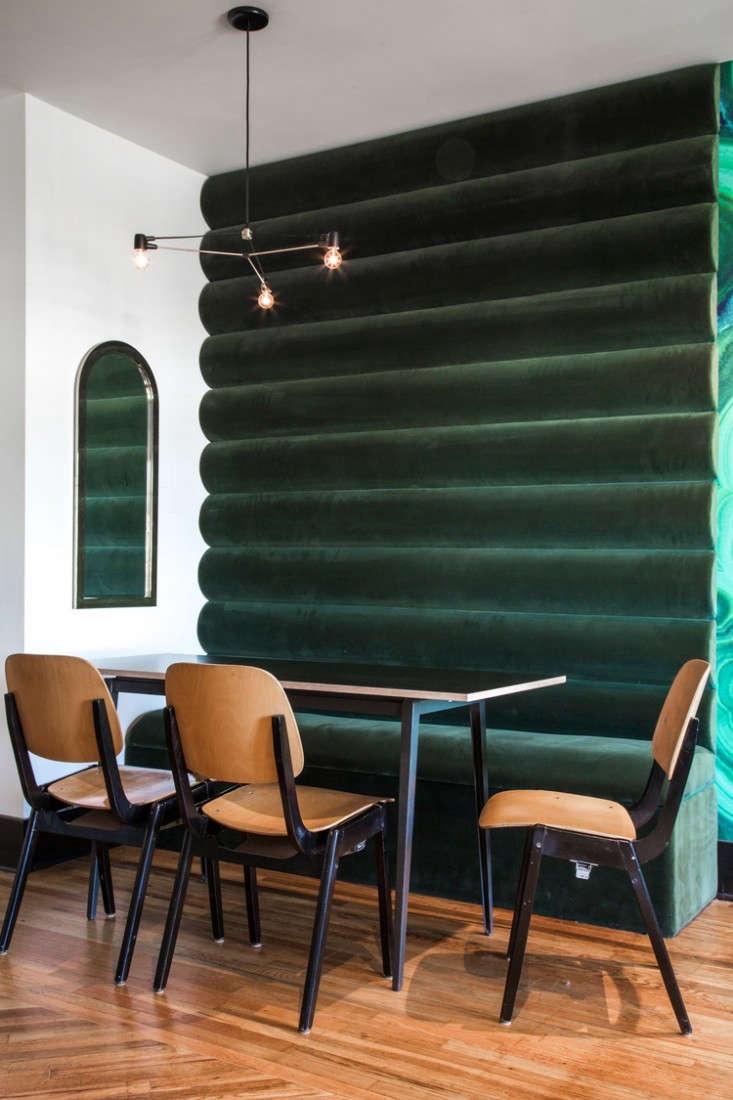 hotel-covell-green-velvet-wall