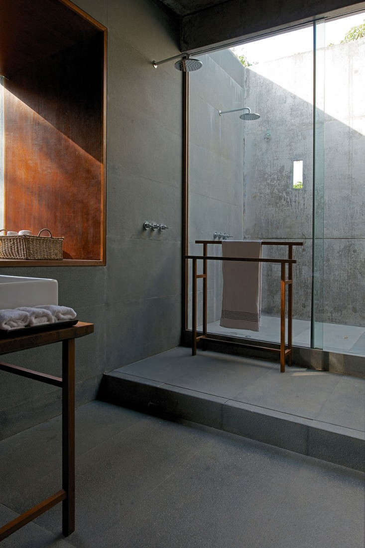 house-on-a-stream-india-brio-remodelista-3