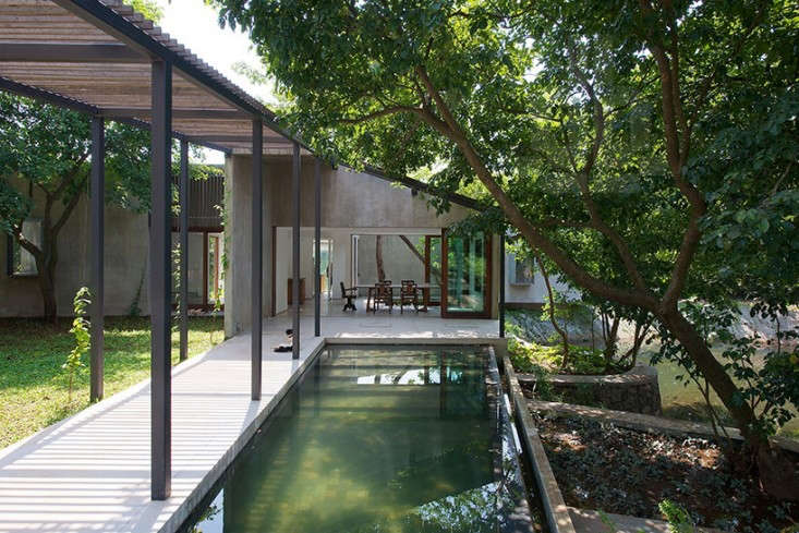 house-on-a-stream-india-remodelista-9