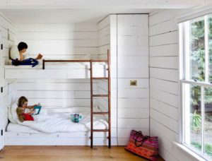 Bunk Beds in an Oregon Summerhouse by Jessica Helgerson | Remodelista
