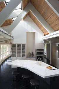 Kuth/Ranieri Barn Road kitchen | Remodelista