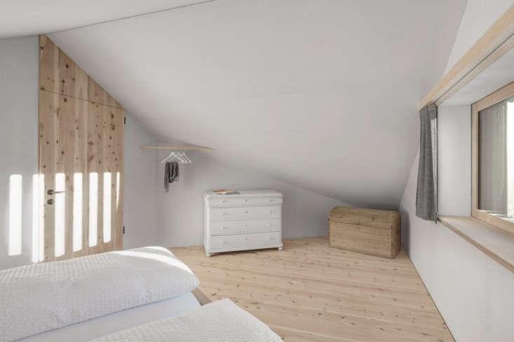 la-pedilla-bedroom-white-dresser-remodelista