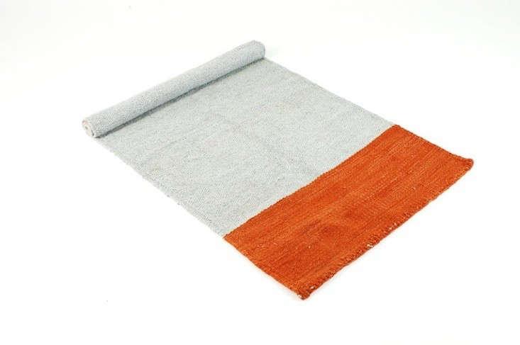 lagos-del-mundo-white-orange-run-remodelista