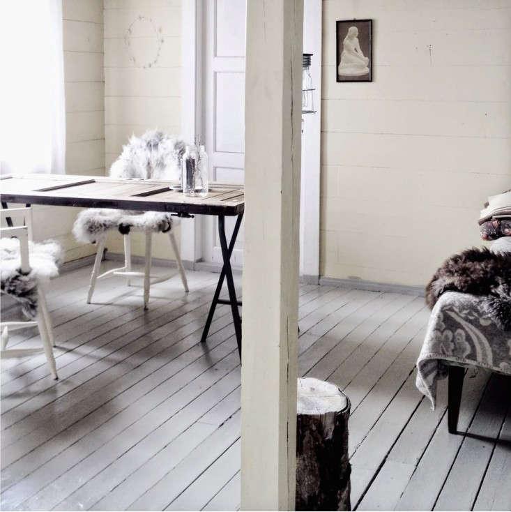 loppelilla-gray-floor-remodelista