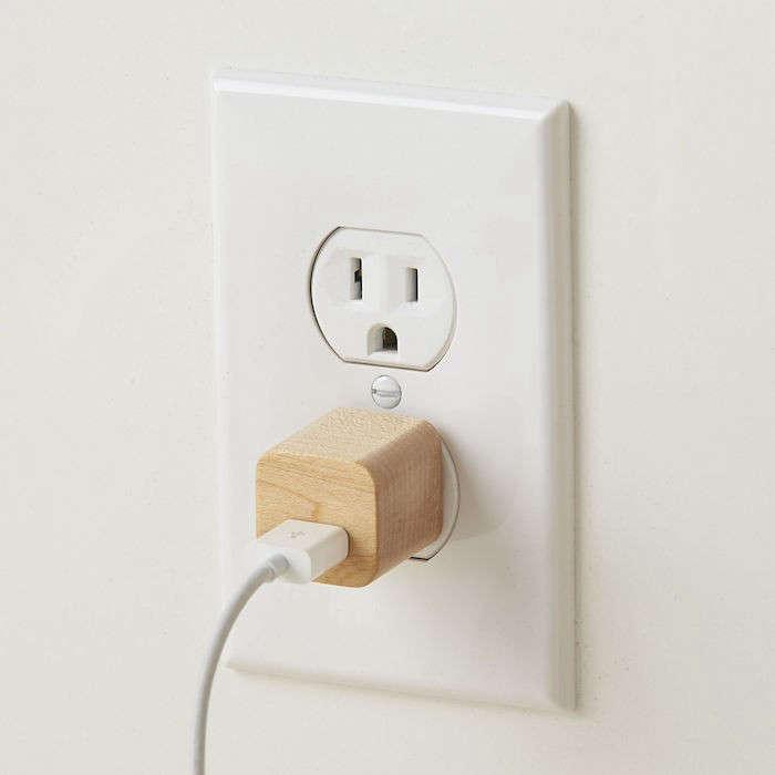 lumber-jack-wooden-usb-plug-remodelista