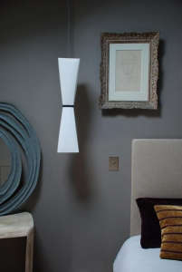 marianne evanou gray walls wite lamp