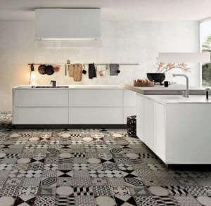 Black and white tiles kitchen: Remodelista