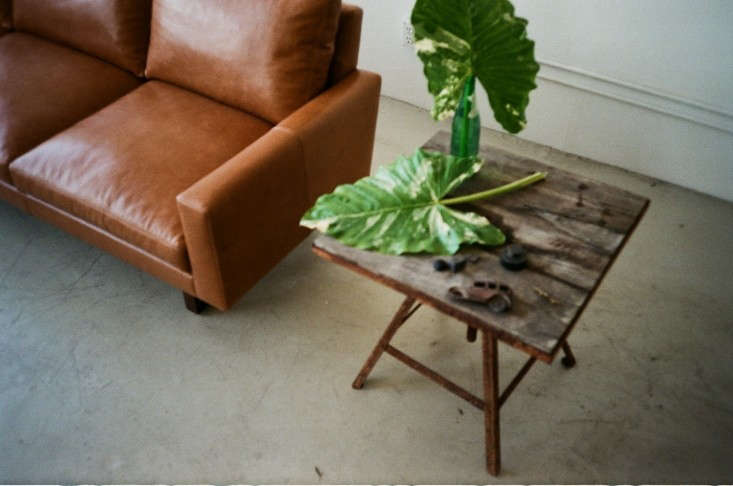 michael-felix-leather-sofa-remodelista-2
