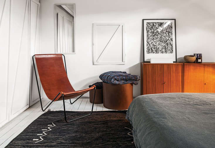 5 Favorites Modern Leather Sling Chairs Remodelista