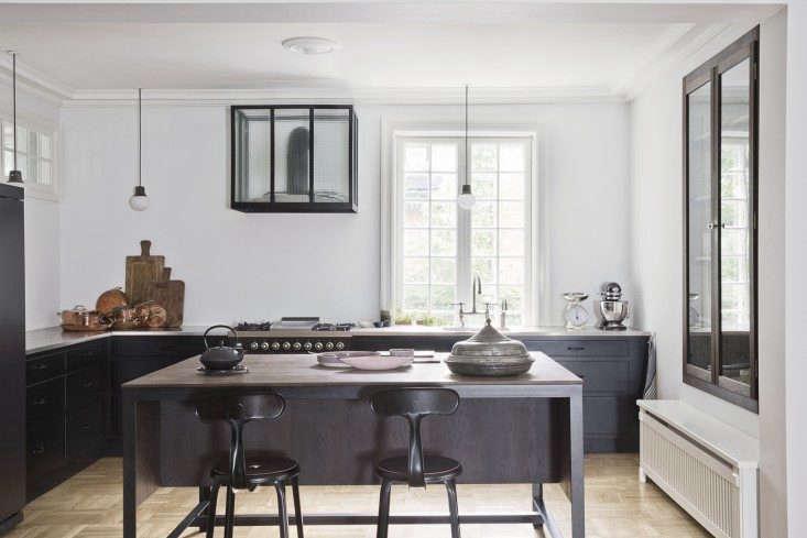 nicolle-stools-in-copenhagen-kitchen