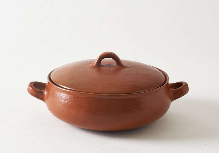 oaxifornia-red-clay-round-pot-march-remodelista