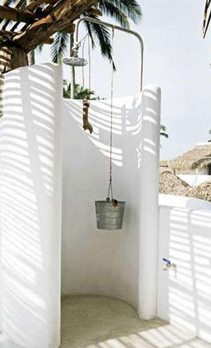 outdoor-shower-hotel-azucar-mexico-remodelista