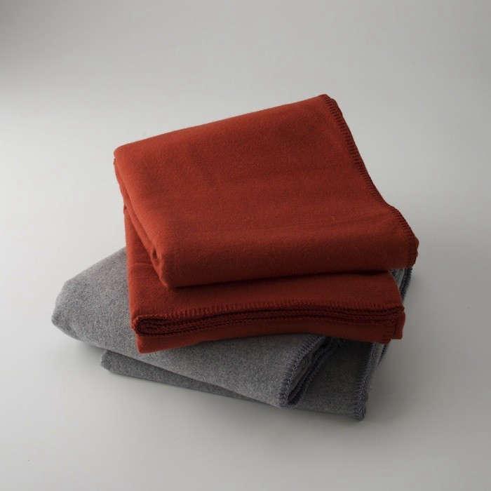 pendleton-gray-red-blanket