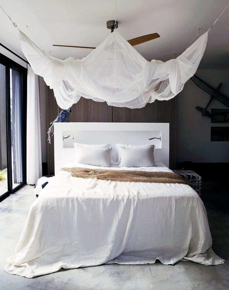 piet-boon-bedroom-mosquito-net-remodelista-1